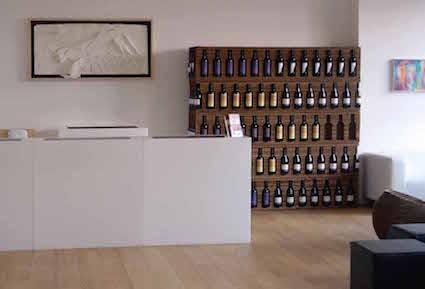 Mobile cantina per vino in cartone ondulato tagliato laser - Mobili da cantina ...