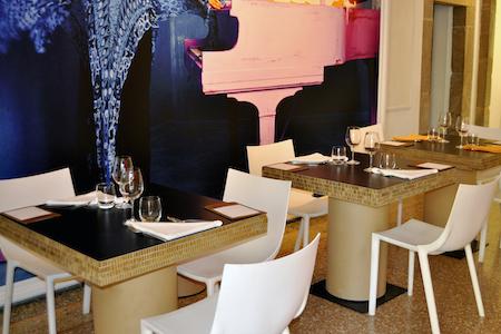 Design Per Ristoranti : Tavolino in cartone per bar o ristorante 55100